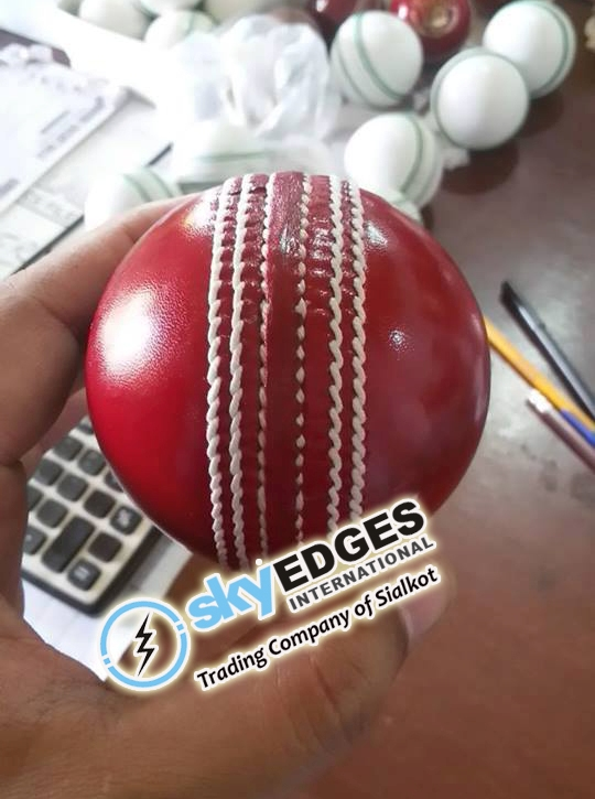 Cricket Hard Ball 5 Layers Alum Leather for Professional Players