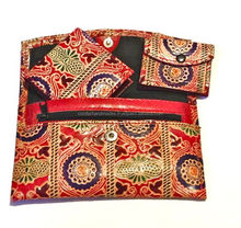 shantiniketan leather coin purses in various colors, patterns and styles for art and craft stores, handicraft stores,
