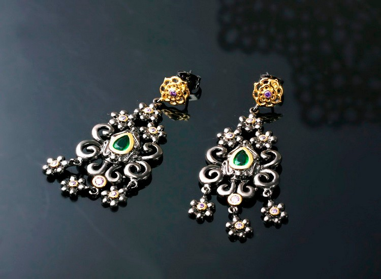 Top 2017 Fashion Black Gold Flower Tassel Design CZ Color Crystal Chanderlier Earrings