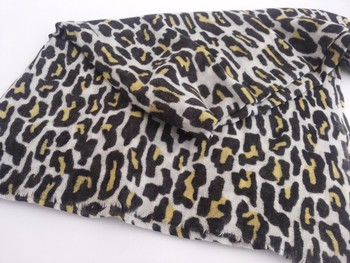 Animal print pure wool stoles for women