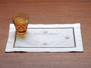 Embroidered cocktail napkins 15x20 cm white linen
