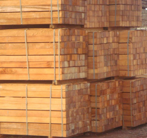 rubber wood sawn timber (20-23 mm. thick)