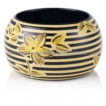 Jasmine Flower background with brown line off-white Wooden Bangle Bracelets