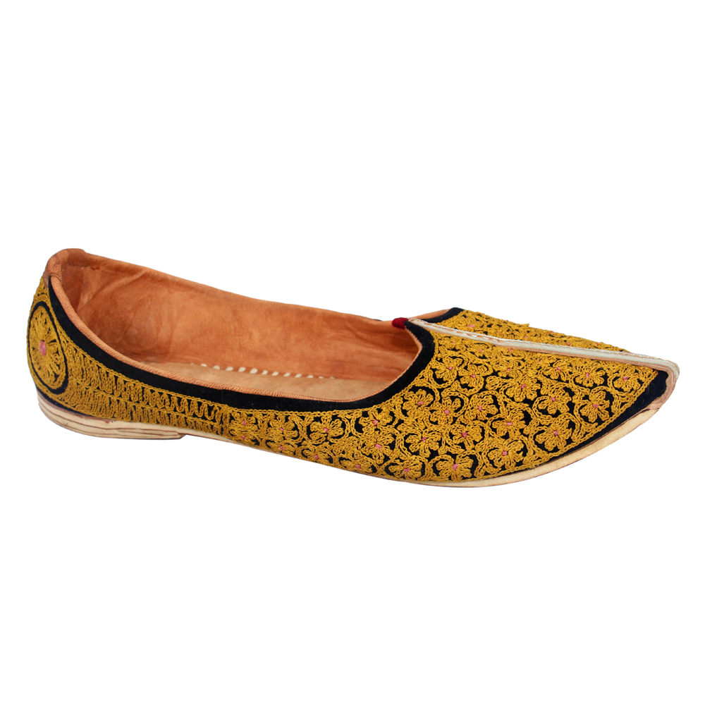 trader latest rajasthani mens stylish letaher mojari and men new design shoes