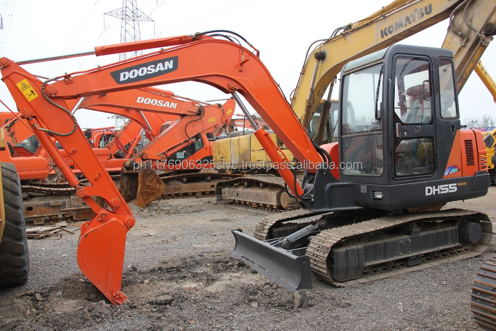 Used mini digger midi excavator escavator Doosan 55 DH55 for sale