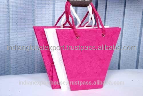 Wholesaler Custom wedding gift paper bag & handmade gift bags wedding india