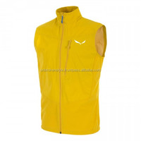 Men horse riding softshell vest