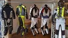 Motorcycle Leather Suit Biker Jacket and Pants with Safety Gears/ Motorbike Suit