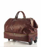 Leather travel bag made in Italy
