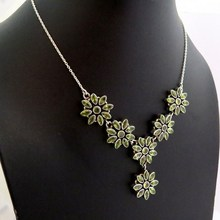 Attractive !! Flower Shape Peridot Bezel Setting Nacklace Silver Jewelry, 925 Sterling Silver Jewelry, WholesaleSilver Jewelry