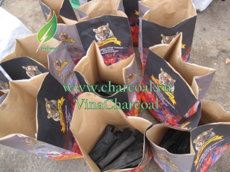Softwood charcoal with 100% natural material from pomelo tree