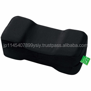 Impact absorbent car travel neck pillow for a good driving position