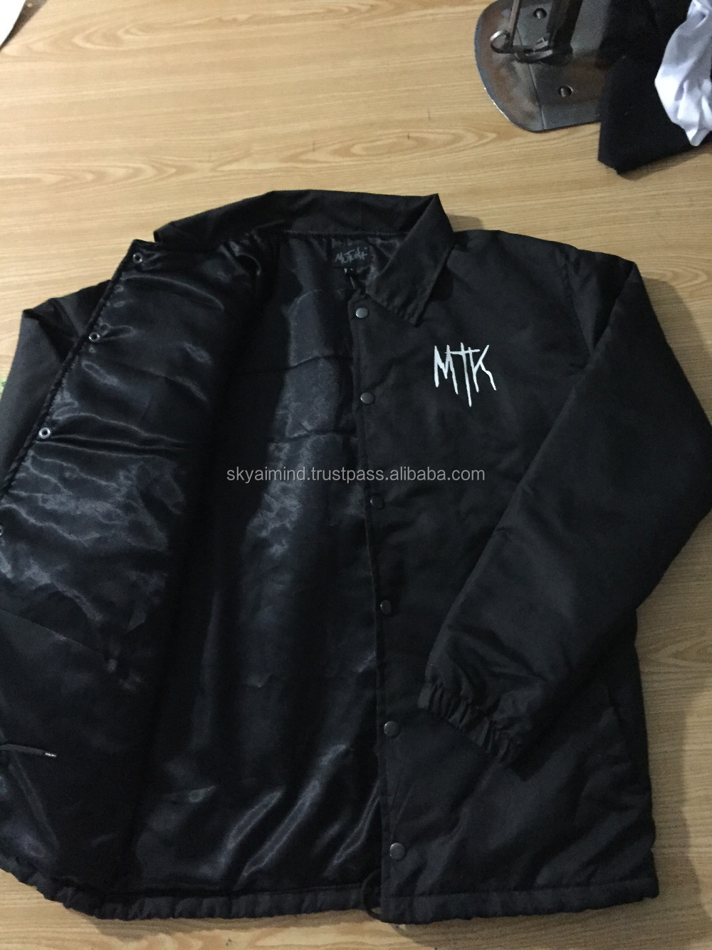 custom made high quality coaches jackets,fashionwear made nylon material coaches jackets,all colours printed coaches jackets