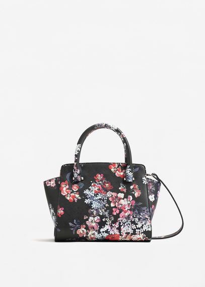 Flower handbag - If you interest please email to mydelta@yahoo.com. Thank you.