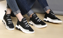 whats app:+8618950737323 wholesale men and women football basketball running shoes sneakers trainers sport for man woman kids