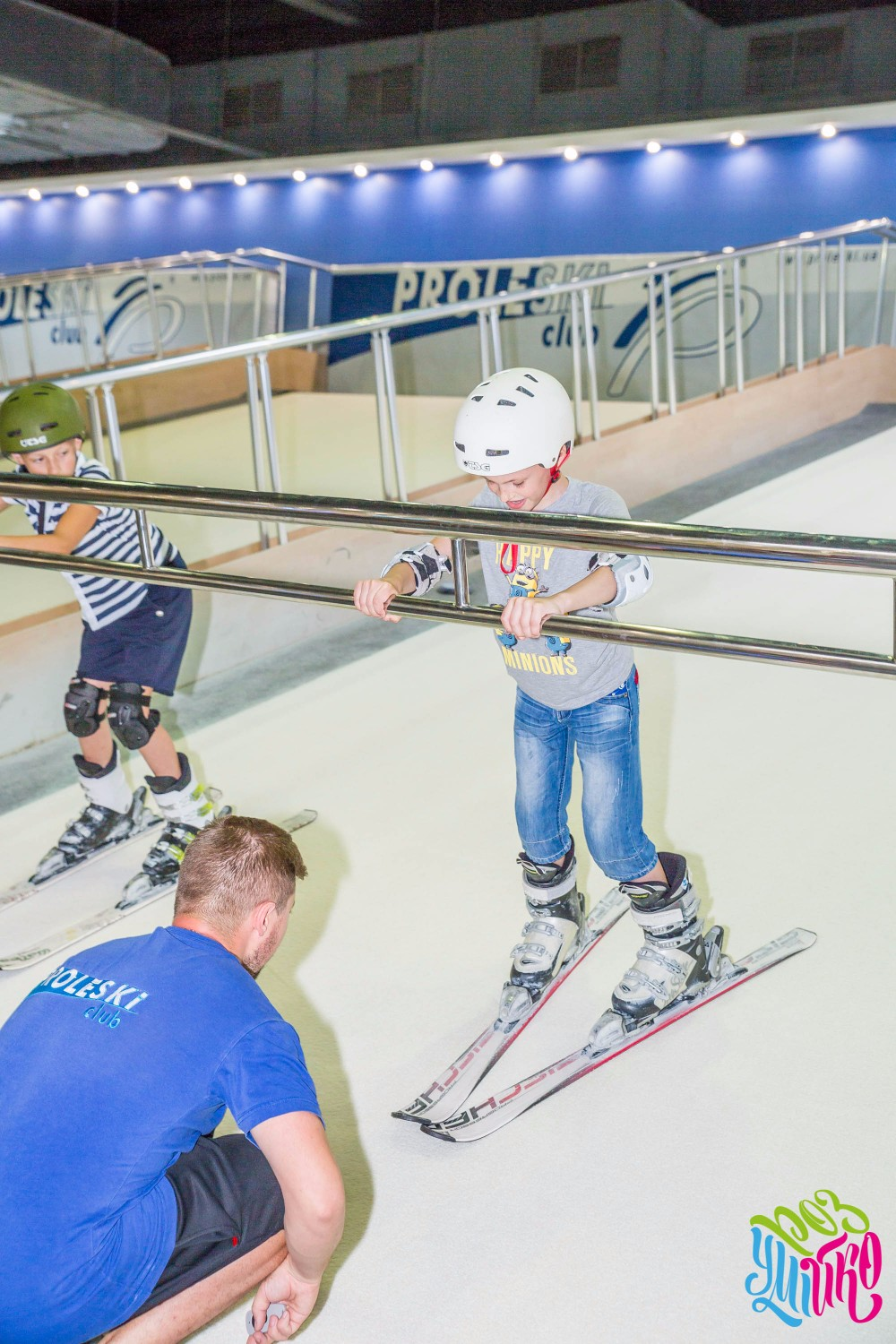 Proleski PRO2 professional training equipment Automatic infinite dry ski slopes Indoor skiing & snowboarding HQ machines