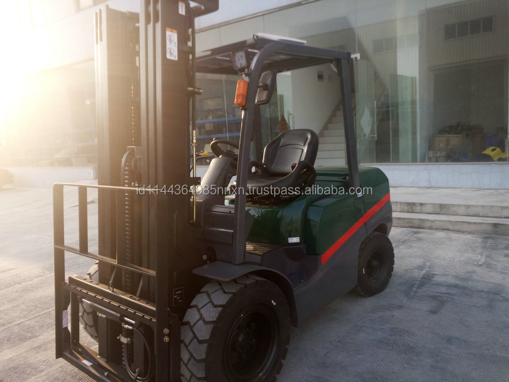 4 ton TCMC diesel forklift 300-15 forklift tire in shanghai china