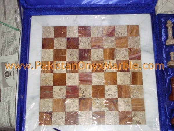 onyx-chess-boards-set-checkers-red-onyx-green-onyx-white-onyx-figures-17.jpg