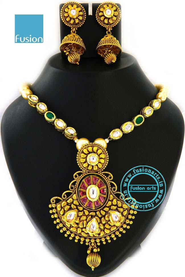 Antique kundan polki pendant set buy antique kundan polki pendant antique kundan polki pendant set buy antique kundan polki pendant setartificial pendant setsdiamond polki sets product on alibaba aloadofball Images