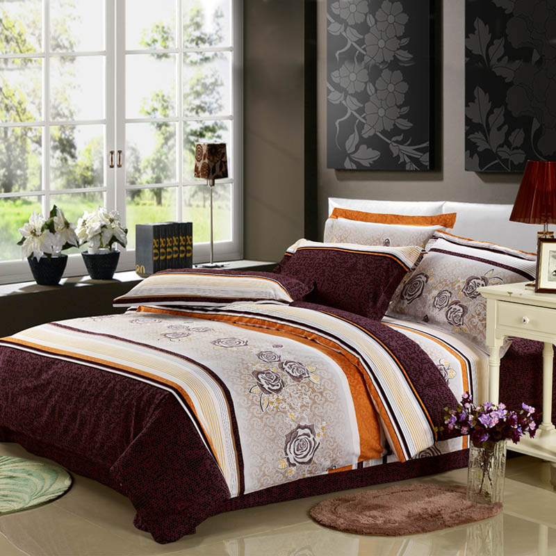 comforter set,bed sheets, pillows. bed sets