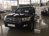 Toyota Land Cruiser 200 2017 Lux Safety 4.6 PETROL 306HP black / brown Leather - EXPORT READY