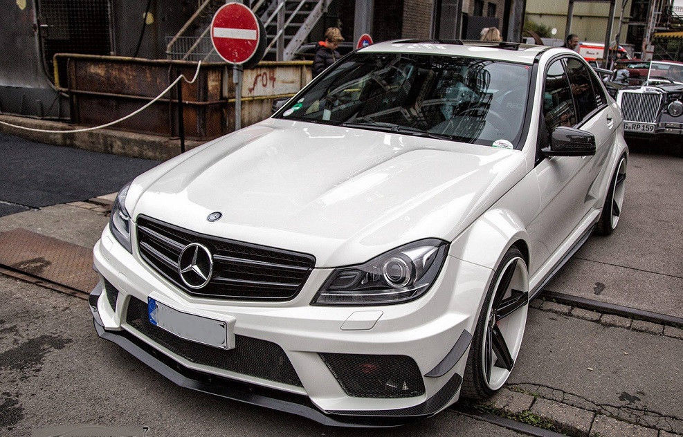 Body kit FOR Mercedes W204 C63 Saloon C C63 AMG Black Series Wide Body Kit