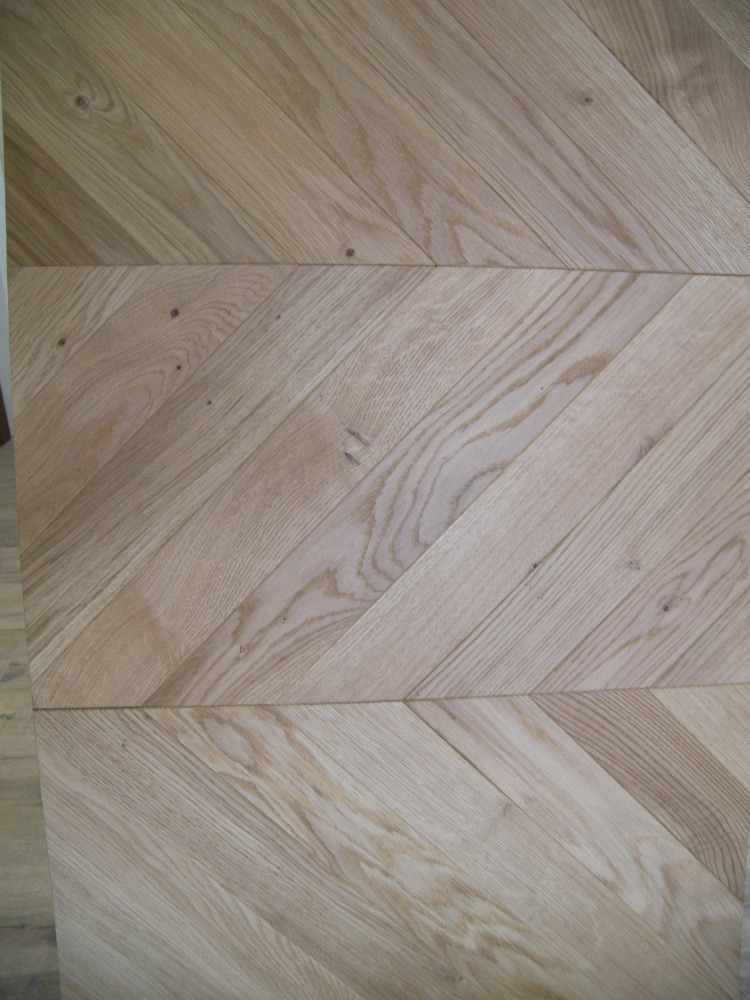 Chevron parquet flooring Oak