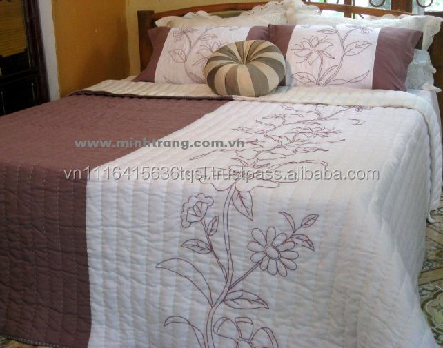 Hand stitching quilt bedspread 100% silk with sewing and embroidery for quilt in Viet Nam