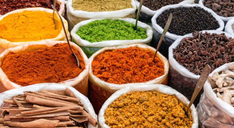 Mixed Spices & Seasonings: All shape of Vietnam cassia