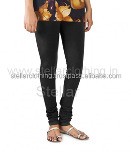 STRETCHABLE LEGGINGS AND CAPRIS