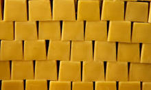 Thailand Grade A Grade AAA Organic Beeswax 100% All Natural Bees Wax for sale