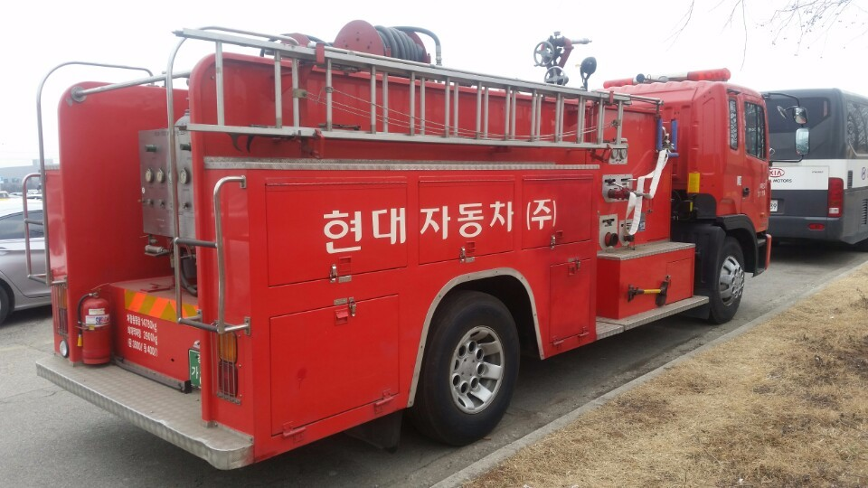 Only 15000km 2000y Used Hyundai Fire Truck For Sale In ...