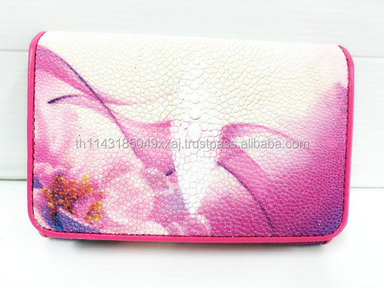 LADIES WALLETS , HIGH QUALITY STINGRAY WALLETS , BEAUTIFULLY MODERN PATTERNED WALLETS