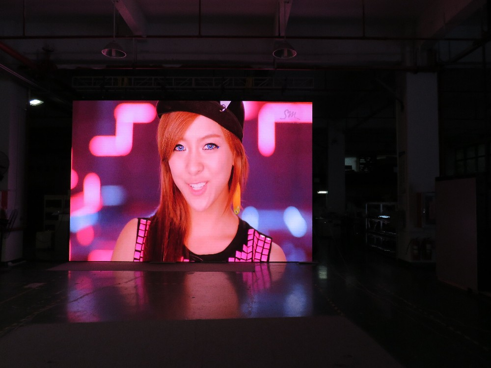 New design hot selling Indoor stage video panel P3.91 / P4.81 led video wall rental led wall