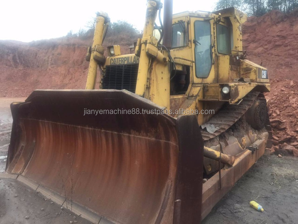 Used cheap bulldozer D8R For Sale with Low Price. Origin in Japan.