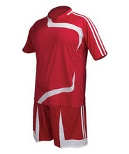 Custom made soccer uniforms, soccer kits and soccer training suits, soccer jersey and soccer