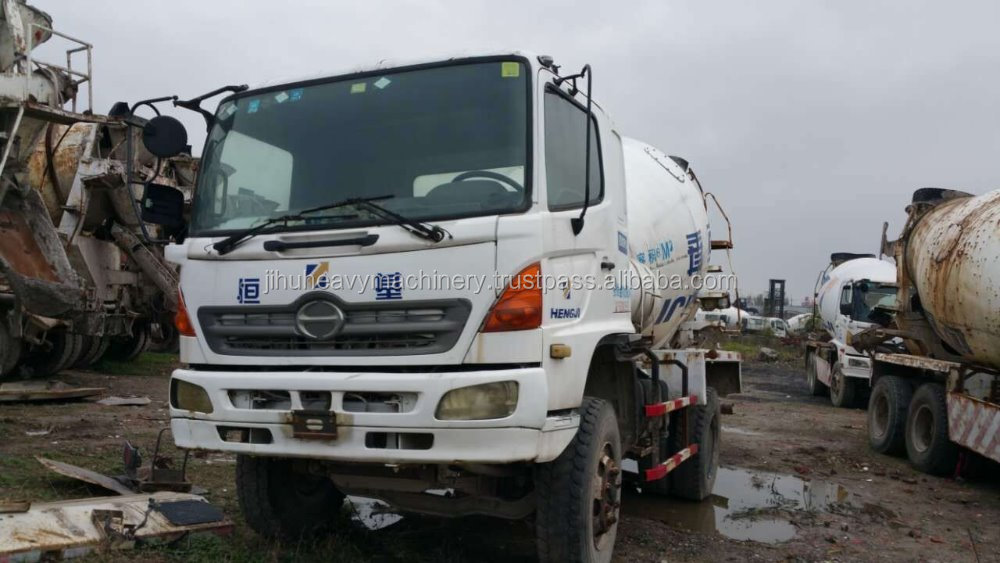 7-9 CBM cement mixing Drum Used Hino 500 Concrete mixer truck