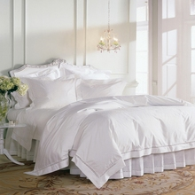 beding set 100% Egyptian cotton woven in Italy