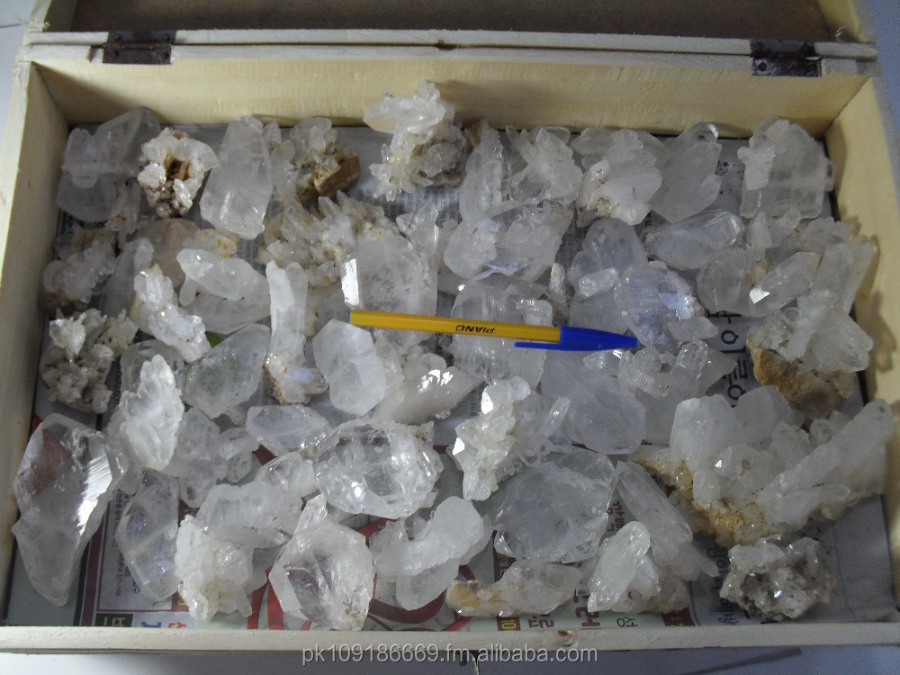 For sale approximately 100 Kg natural quartz specimens available at wholesale price