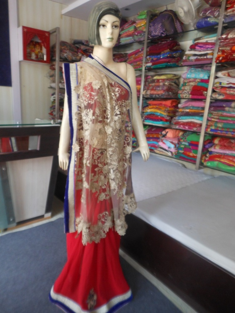 Indian Designer Heavy embroidered Net Pallu with Plain Red Georgette Fancy Work Saree