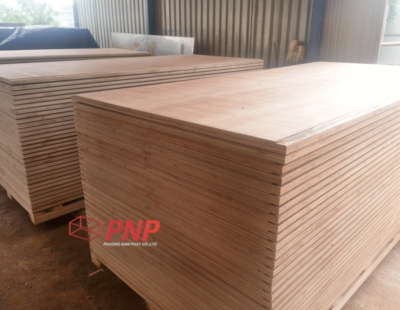 HIGH QUALITY CONTAINER PLYWOOD SIZE 28*1160*2400mm