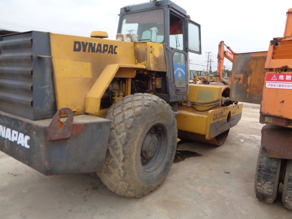 Good condition Dynapac CA35D compactor roller for sale