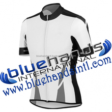 Blank Cycling Jersey Made of cool mesh