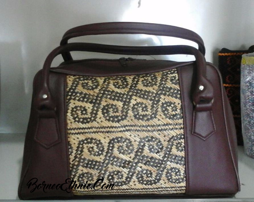 Rattan Handbag Ethnic Pattern Combine with Synthetic Leather