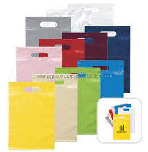 HDPE plastic shopping bag for packaging of garments with die cut handle