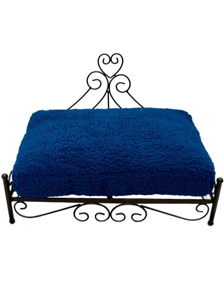 raised heart pet bed blue