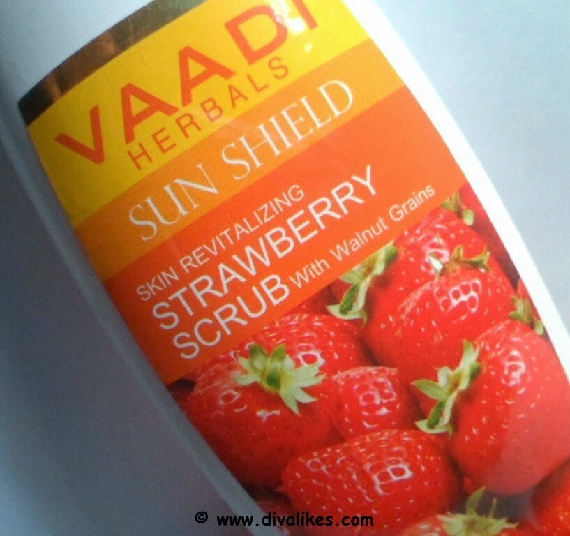 STRAWBERRY SCRUB FACE WASH with Mulberry Extract