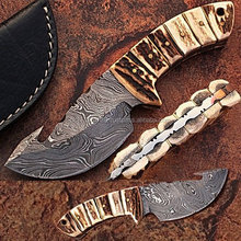 Damascus steel skinner knife with stag horn+gut hook