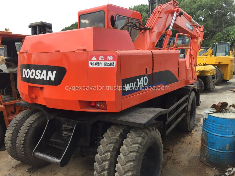 Used wheel excavstors DAEWOO DW140 tyres excavator for sale