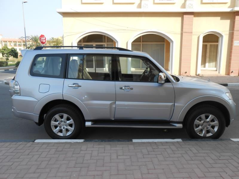PAJERO GLS 3.5 L FULL OPTIONS